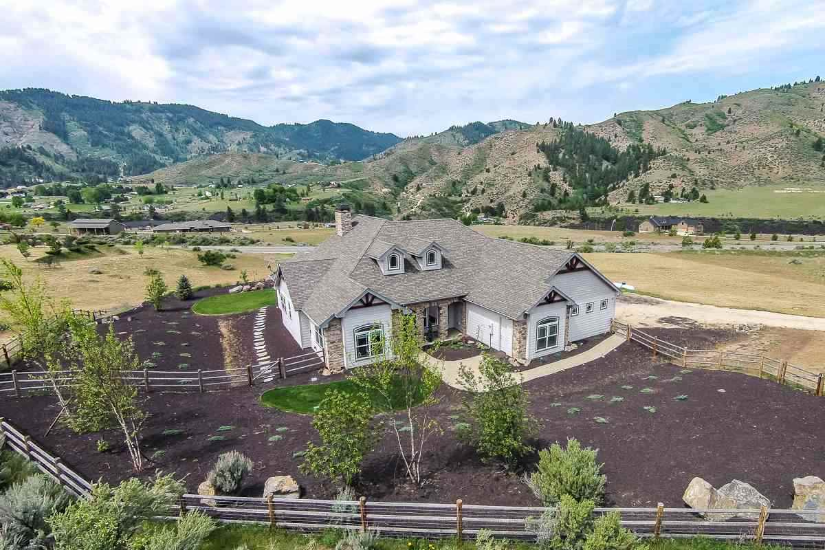 22 Mores Creek Rim Road Boise County Idaho Home for Sale